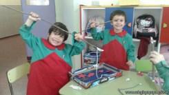 Disfrutamos los juegos realizados en el taller de padres 7