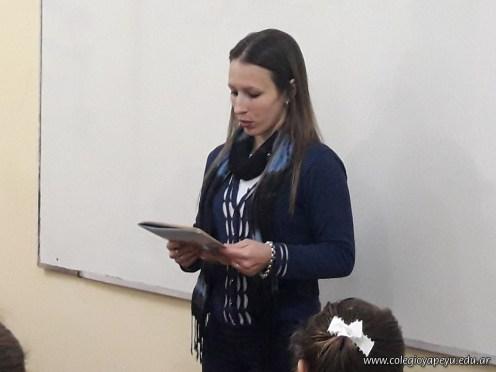 Yanina - Mes del Libro (4)