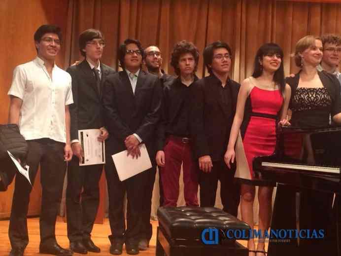 Reciben mención honorífica alumnos del IUBA en concurso de piano_a