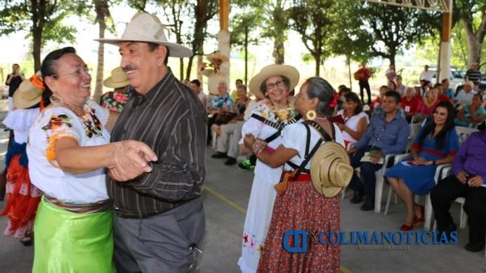 celebran-adultos-mayores-aniversario-de-la-revolucion-mexicana