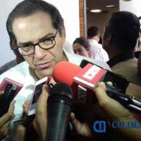 Nacho Peralta renuncia a facultad para otorgar concesiones de taxi