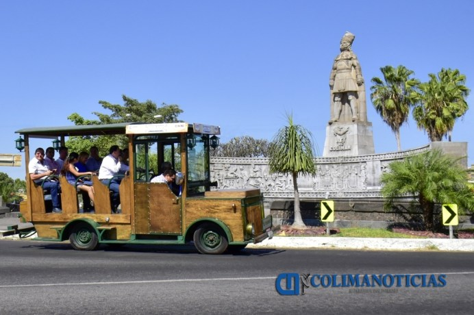 Inaugura Héctor Insúa Tour Histórico y Cultural