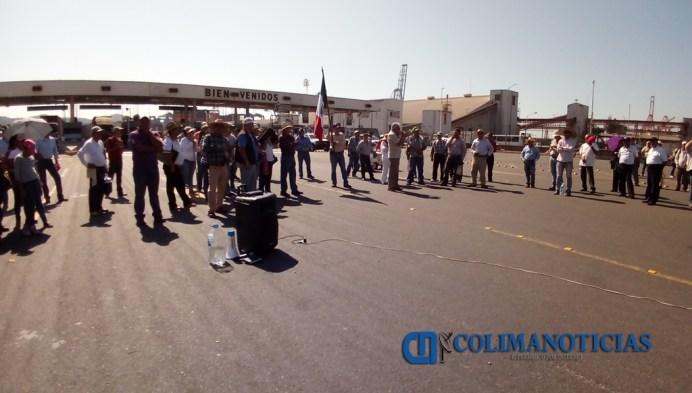 Levantan bloqueo al puerto de Manzanillo
