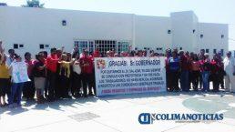 Trabajadores de la Sección 30 del SNTSA pancarta salazar2