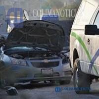 Trailer que salió de Manzanillo vuelca y aplasta auto: un muerto