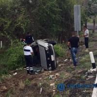 Fallece conductor al volcar su vehículo en autopista Colima-Manzanillo