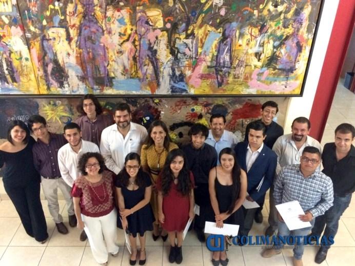 Egresan estudiantes del IUBA