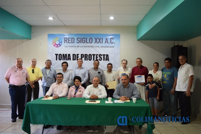 Reconocen asociaciones de la sociedad civil trabajo del diputado Riult Rivera