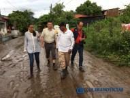 Gabriela Benavides recorre colonias afectadas por las lluvias6