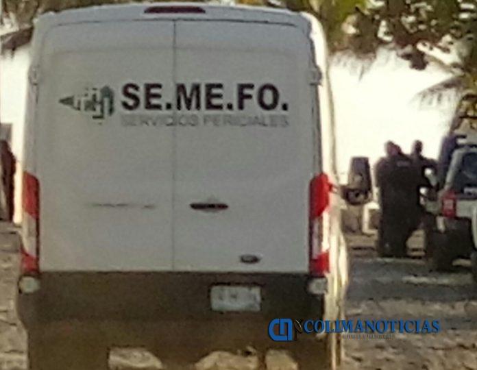 semefo 696x540 - Conductor muere al caer de su moto en una brecha en Cofradía de Morelos