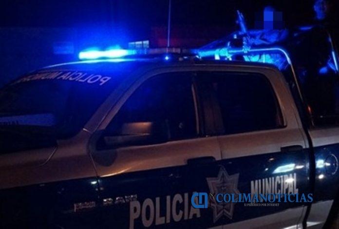 policia municipal noche 696x470 - En la comunidad de La Presa en Ixtlahuacán ejecutan a un hombre - #Noticias