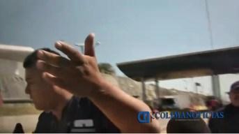Hostiga policía de Tonila y personal de caseta a reporteros de Colima 2