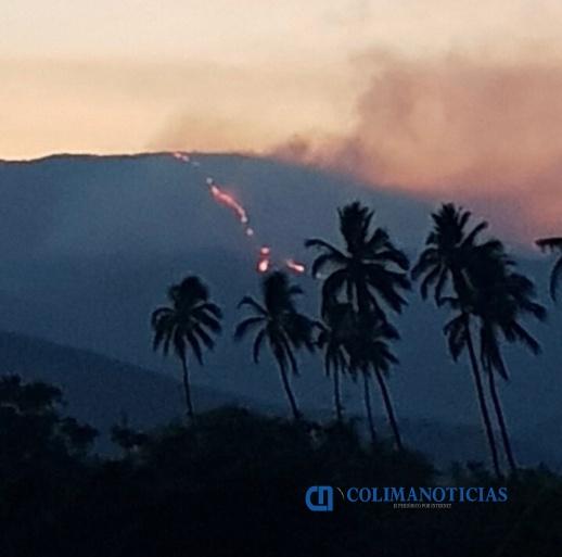 incendio en cerro de coquimatlán - Incendios ahora se propagan a Colima: reportan uno en el Cerro del Barrigón