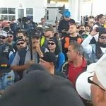 manifestantes caseta jalisco 150x150 - Motociclistas se Jalisco y Colima, liberan la caseta de Atoyac, sobre la autopista Guadalajara-Colima