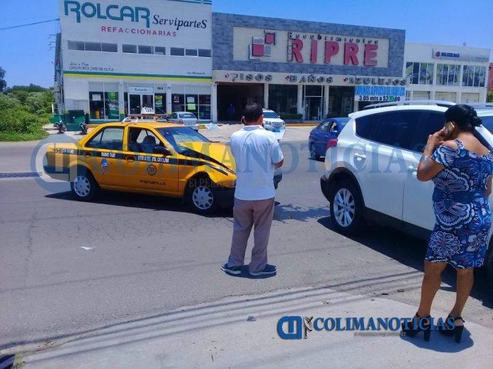 Sólo daños materiales deja encontronazo en la avenida Elías Zamora 696x522 - Sólo daños materiales deja encontronazo en la avenida Elías Zamora, en Manzanillo