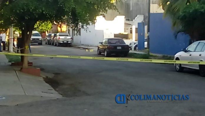 barrio 3 manzanillo mujer muerta 696x396 - Motosicarios acribillan a una mujer en el Barrio 3, en Manzanillo