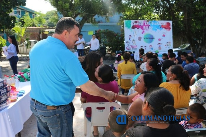 el alcalde de ixtlahuacán carlos carrasco clausura curso de verano 696x464 - El alcalde Carlos Carrasco clausura cursos de verano en el DIF municipal
