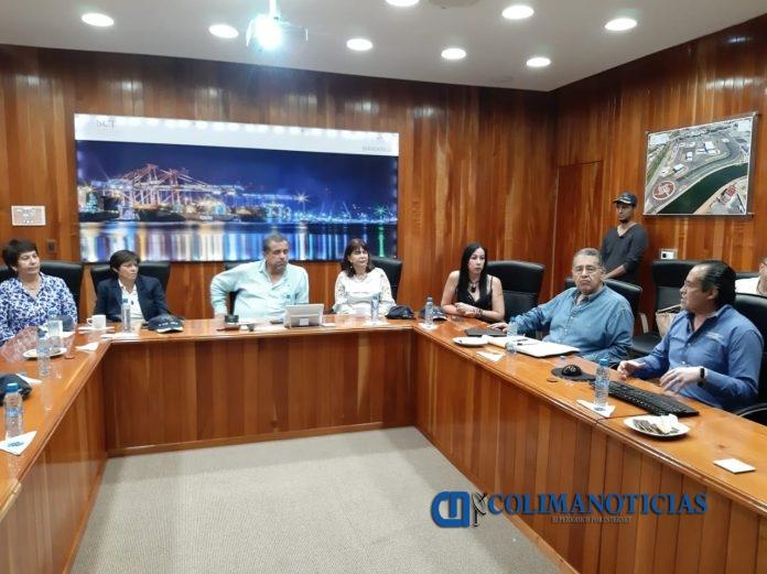 Jiménez Cisneros reunion api 696x521 - Trabaja bien API Manzanillo en temas de CONAGUA: Jiménez Cisneros