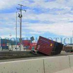 Volcadura de contenedor en la carretera Jalipa Puerto 150x150 - Volcadura de contenedor en la carretera Jalipa-Puerto