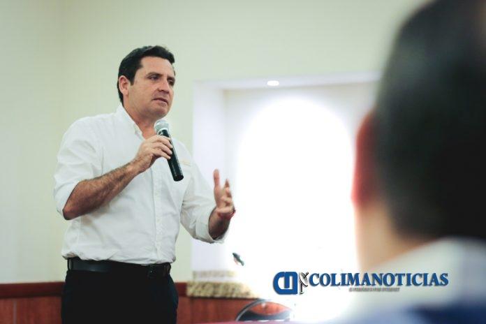 locho colima alcalde 696x464 - Alcalde Leoncio Morán, presenta modelo de Justicia Cívica a integrantes de la COPARMEX