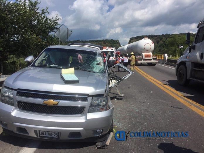 03CC350A 04A4 4AE5 9327 95115E1BF62C 696x522 - 9 Lesionados: accidente en la autopista Guadalajara-Colima