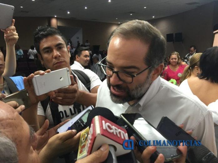 peralta sanchez colima 1 696x522 - Gobernador se reunirá con titular de SHCP para exponerle avances logrados en Colima y se generen incentivos