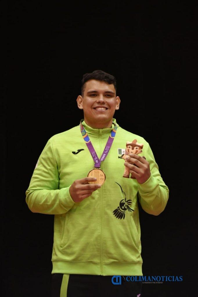 Braya Misael Valencia Preciado 2 682x1024 - Obtienen Brayan Valencia y Cristobal Aburto, de judo, Premio Estatal del Deporte 2019