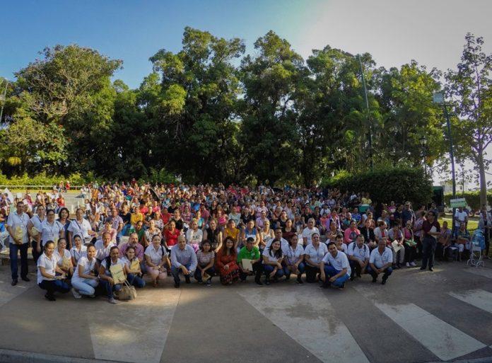 Ayuntamiento de Colima beneficia a 813 estudiantes con Becas Municipales 696x513 - Ayuntamiento de Colima beneficia a 813 estudiantes con Becas Municipales