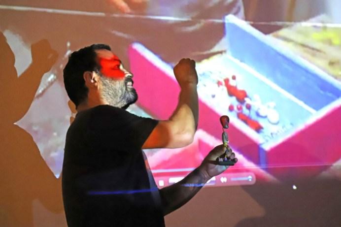 Juan Franco_Presentan taller_Neoartesanía a la comunidad de Agua Dulce en VdeA_c