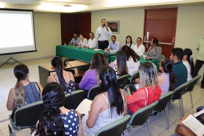 Educación Plazas 2 696x464 - Entrega SE 84 plazas docentes definitivas y 28 paquetes de horas