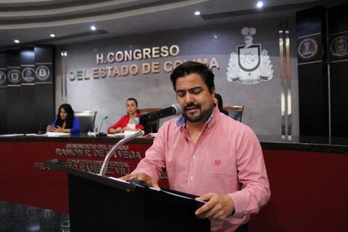 morenista Julio Anguiano 696x464 - Exfuncionario de gobierno gana amparo y congreso deberá pagar diferencia en el pago de su pensión