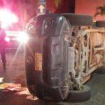 volcadura en manzanillo 150x150 - Jóvenes abandonan camioneta tras volcadura