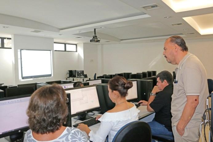 Capacitan a profesores en análisis de mapas Geoespaciales