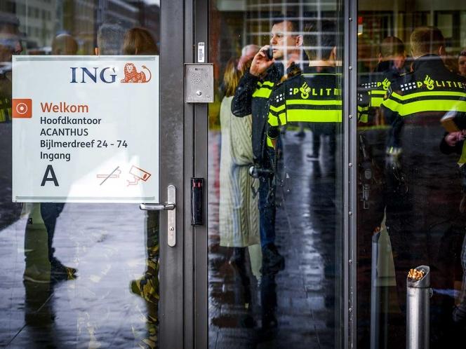 Estalla carta bomba en banco de Ámsterdam