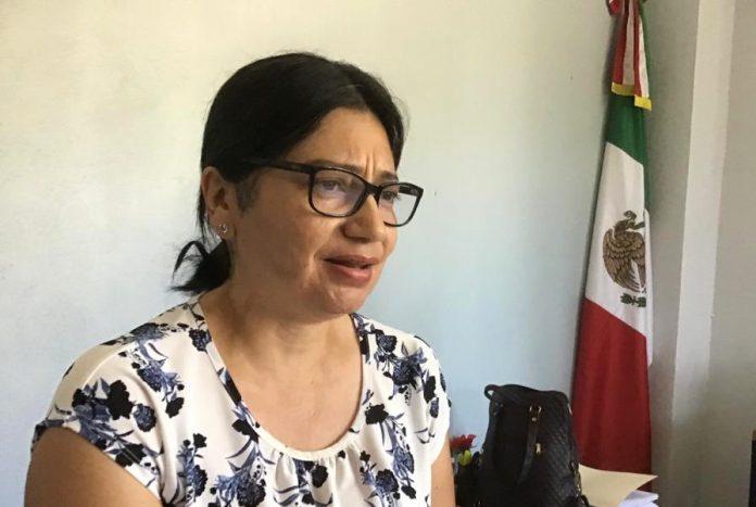 Irma Valdovinos López  696x467 - Rafa Mendoza tiene el capricho de no reconocerme como trabajadora: Valdovinos López - #Noticias