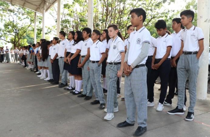 escuelas y estudiantes