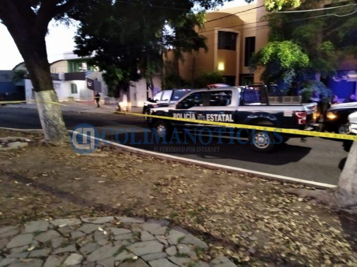 herido de bala en 20 de noviembre 696x520 - Reportan hombre baleado en Av. 20 de Noviembre en Colima - #Noticias
