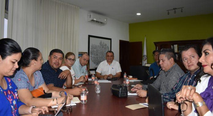 Felipe Cruz reunión por salud 696x380 - Felipe Cruz pide a Villalvarenses atender recomendaciones del sector Salud contra coronavirus