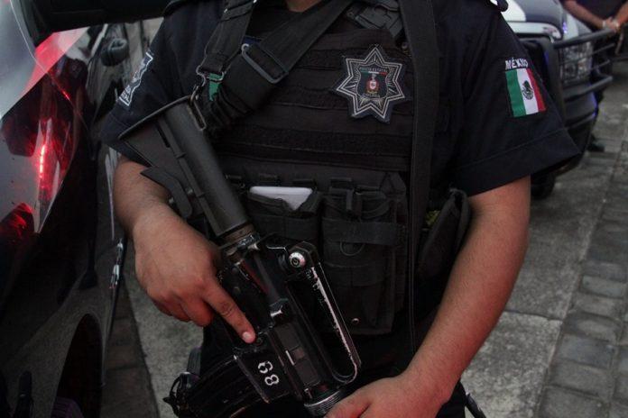 Policía Estatal 696x464 - Policía Estatal captura a un sujeto por portación de arma - #Noticias