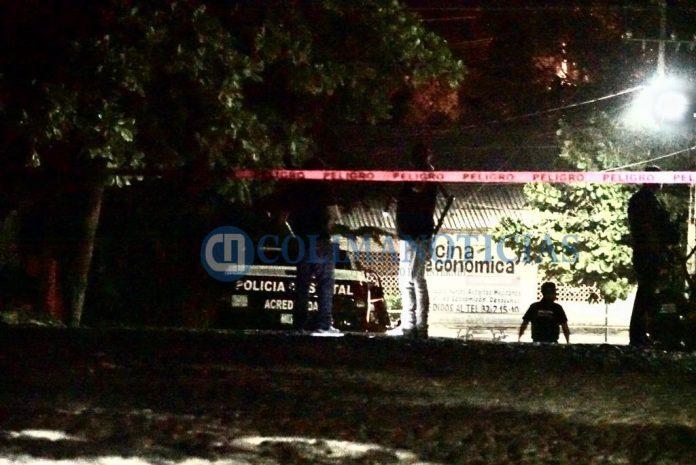 balean policias estatales 696x465 - Disparan contra patrulla de la Policía Estatal en Armería: 2 elementos muertos y 2 heridos