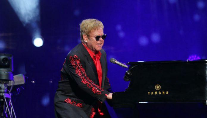 elton john concierto covid 19 696x399 - Estos artistas ofrecerán un concierto para apoyar a los afectados por el coronavirus