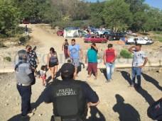 Protección Civil retira a más de 80 turistas de Zacatecas del río Armería (3)