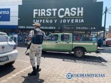 Cierran negocios no esenciales en Tecomán ante la pandemia (4)