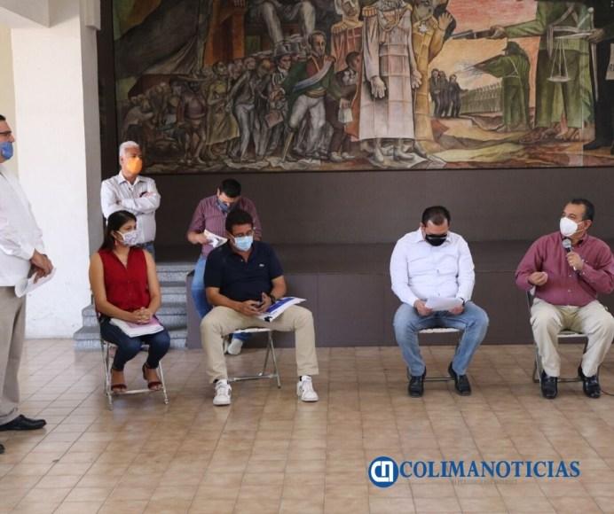 Felipe Cruz Atiende a Ciudadanos de la Colonia Villas Diamante