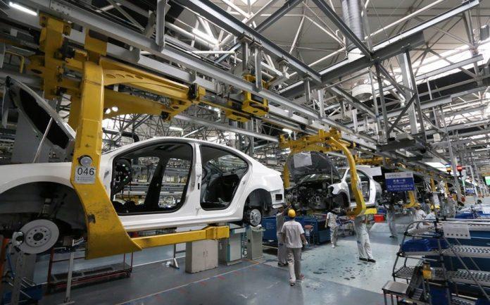 produccion de autos 696x433 - Producción de vehículos registra caída durante abril del 98.8%