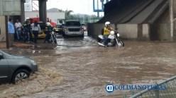 Inundación en calles y avenidas principales de Manzanillo tras lluvia 2