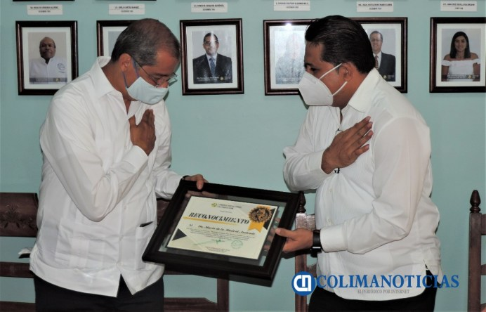 Entrega CDHEC 'Medalla Insignia Pro Persona 2020' al Dr. Mario de la Madrid