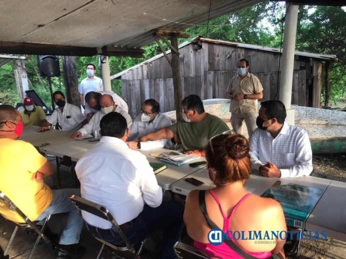 Visita JIPS zona afectada por derrame de combustóleo en la laguna de Cuyutlán
