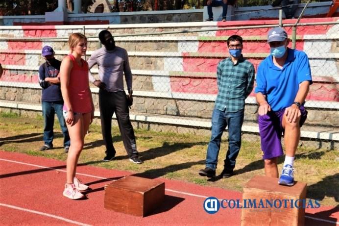 Realizan clínica de atletismo Irving 'Boo' Schexnayder en Colima