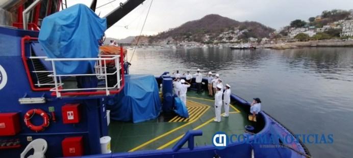 Capitanía de Puerto de Manzanillo abanderó dos remolcadores009